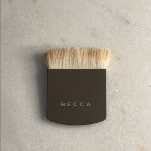 BECCA: The One Perfecting Brush